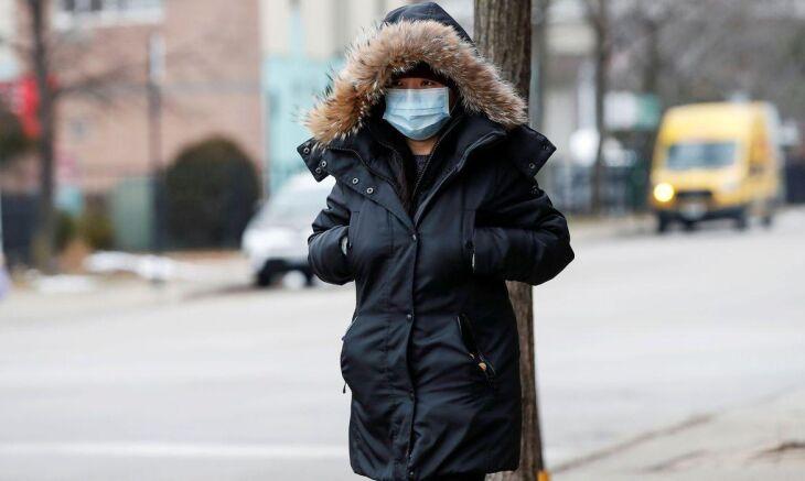 Desde que foi descoberto, em dezembro, o coronavírus já infectou mais de 82 mil pessoas em 50 países