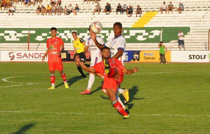 Não houveram gols na partida deste domingo no Vermelhão da Serra