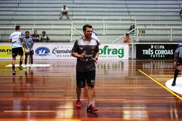 """Matzenbacher: """"uma das melhores formas de treinar é jogando"""""""